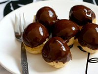 Profiteroles in Hot Chocolate