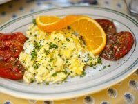Scrambled Eggs with Goat's Cheese